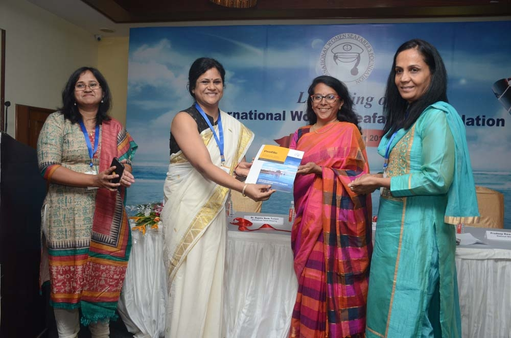 images/latest_news/1509943063left to right shravni mishra, sunieeti bala, dr malini v shankar, capt  radhika menon.jpg